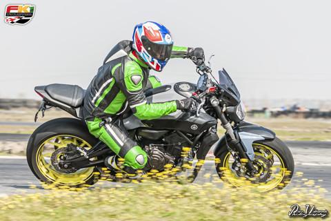 Deportivas, motos de calle, todos los tamaños y edades